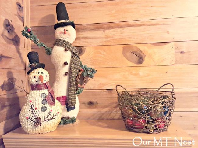 Snowmen bookcase ew