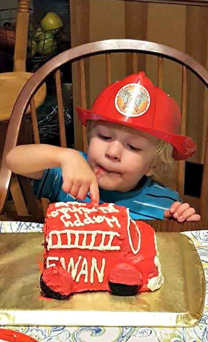 eating cake ecw